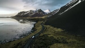 A view of a mountainous environment in Iceland