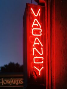 A red neon vacancy sign